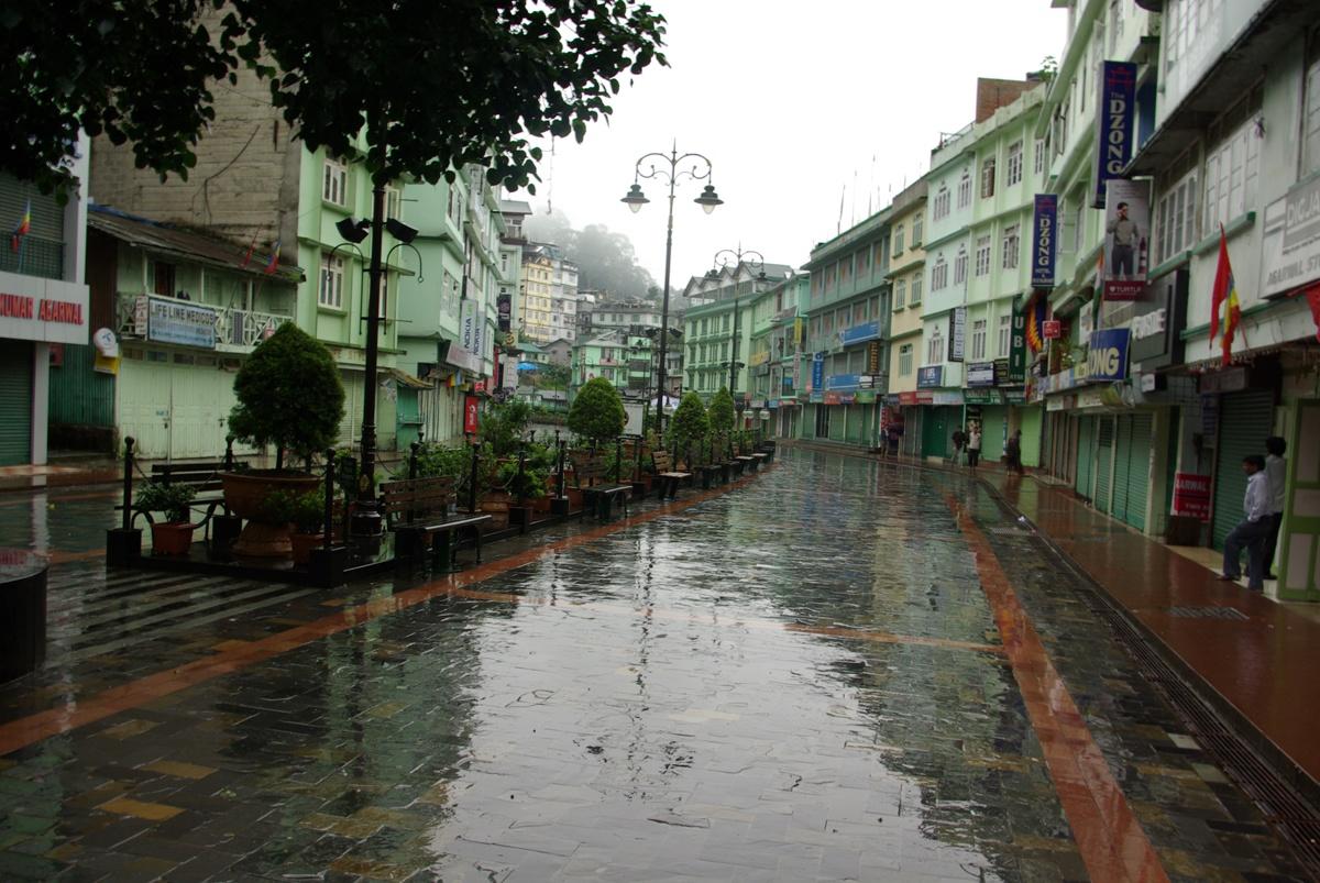 Ostatni rzut oka na zmoknięty Gangtok