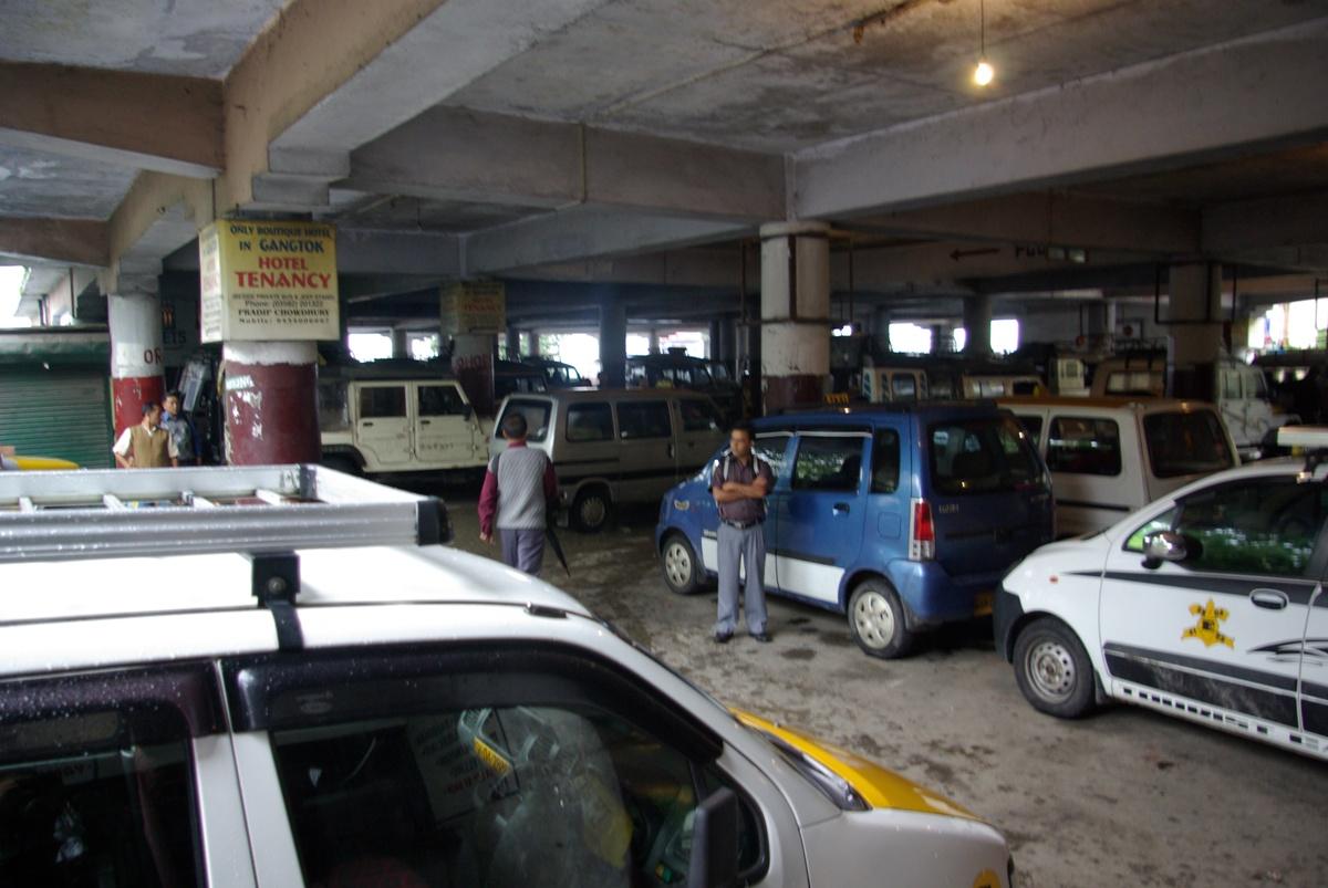 """""""Dworzec"""" w stolicy Sikkimu"""