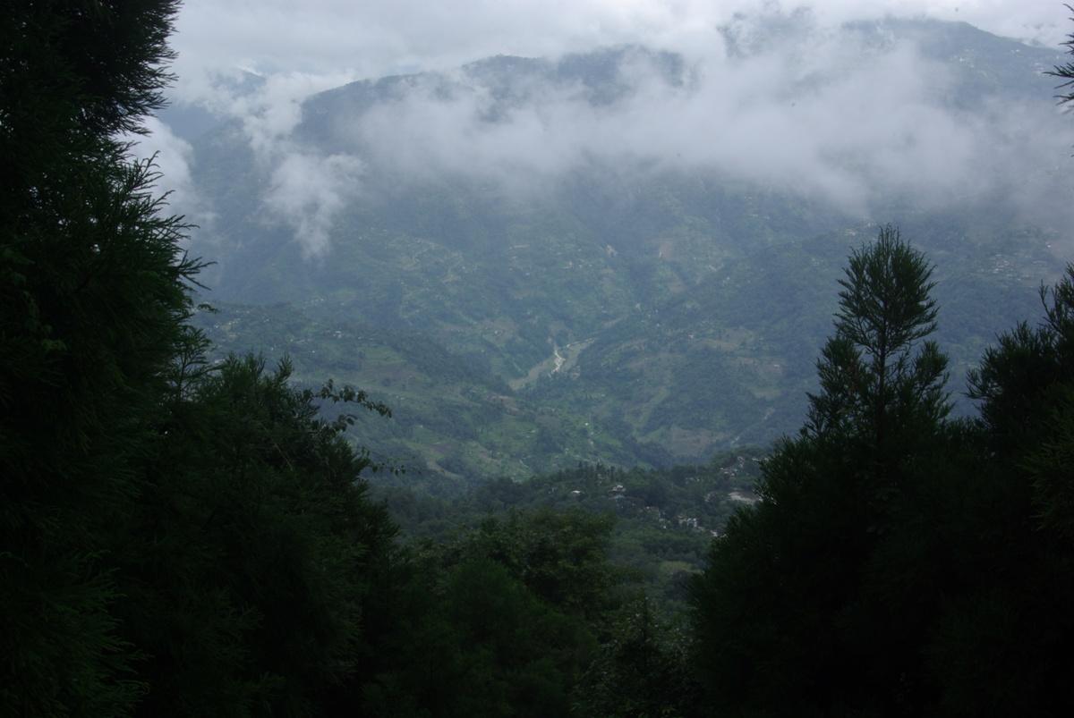 Widok na dolinę z okolic świątyni